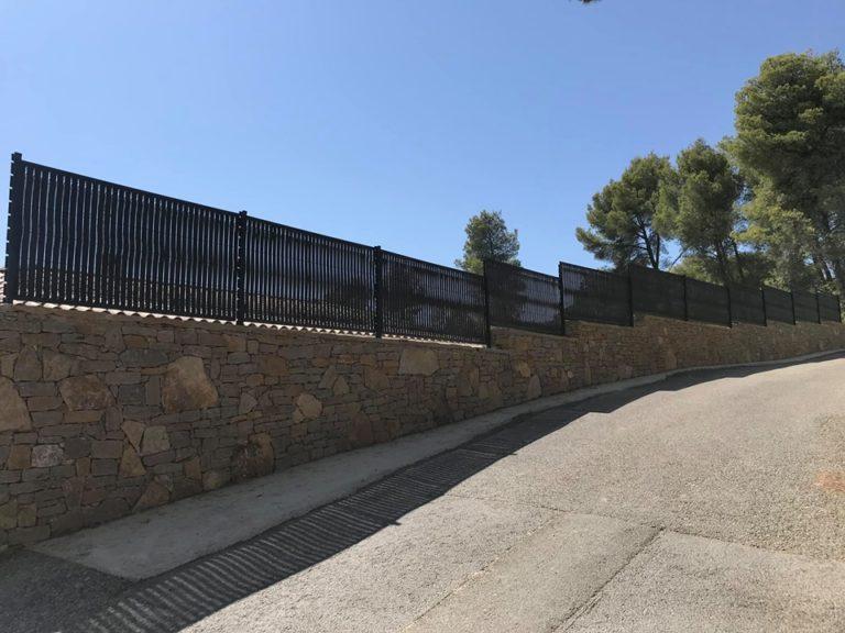 Le grillage rigide noir : La nouvelle tendance clôture