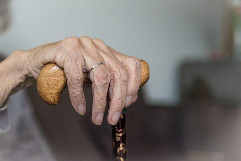 Qui est susceptible de s'enregistrer en maison de retraite ?